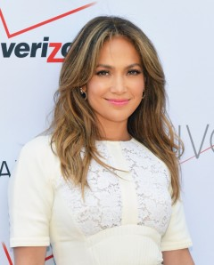 Jennifer Lopez returning to American Idol in 2014