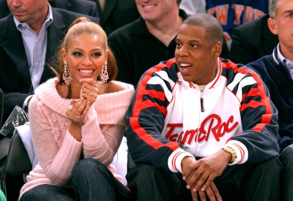 Basketball-fans-Jay-Z-Beyoncé-watched-Houston-Rockets-take