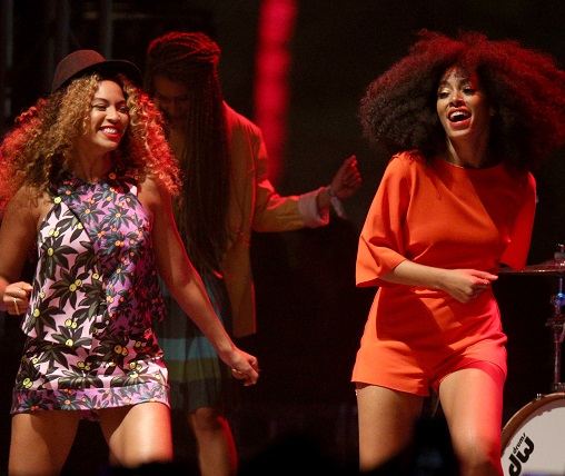 beyonce-and-solange-perform