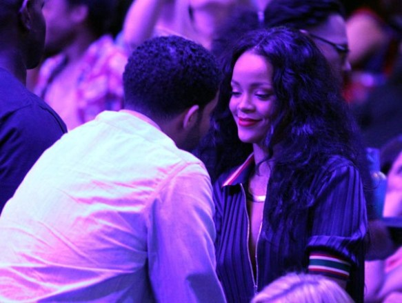 drake-and-rihanna-pda-clippers-2