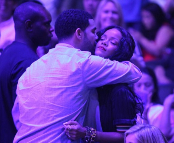 drake-and-rihanna-pda-clippers-3