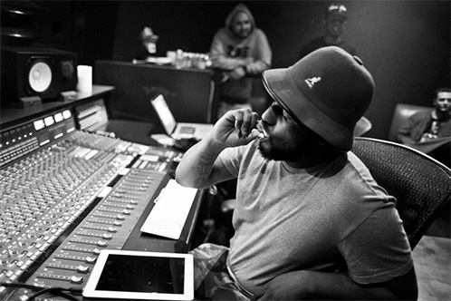 schoolboyq-studio-smoking